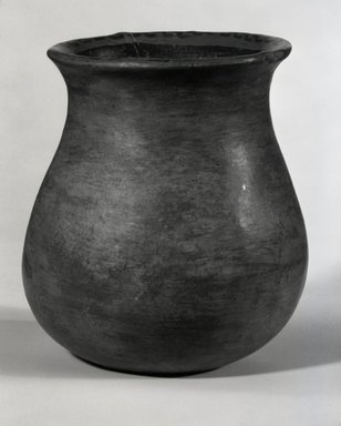 Maya. <em>Jar</em>. Pottery Brooklyn Museum, A. Augustus Healy Fund, 35.648. Creative Commons-BY (Photo: Brooklyn Museum, 35.648_bw.jpg)