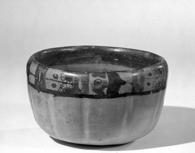 Maya. <em>Bowl</em>. Pottery Brooklyn Museum, A. Augustus Healy Fund, 35.652. Creative Commons-BY (Photo: Brooklyn Museum, 35.652_acetate_bw.jpg)
