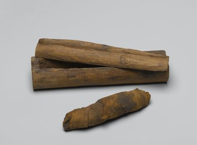 <em>Snake Coffin with Mummy</em>, 664-332 B.C.E. Wood, animal remains, linen, 2 5/8 x 2 1/16 x 8 1/16 in. (6.7 x 5.2 x 20.5 cm). Brooklyn Museum, Charles Edwin Wilbour Fund, 37.1358Ea-c. Creative Commons-BY (Photo: Brooklyn Museum, 37.1358Ea-b_PS2.jpg)