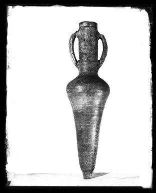 <em>Large Amphora</em>, 600 C.E. Clay, 40 x max. diam.10 in. (101.6 x 25.4 cm). Brooklyn Museum, Charles Edwin Wilbour Fund, 37.1606E. Creative Commons-BY (Photo: Brooklyn Museum, 37.1606E_NegA_SL4.jpg)