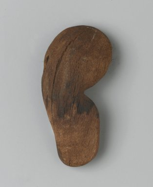 <em>Ear</em>, 1539-1075 B.C.E. Wood, 1 x 1/2 x 2 1/5 in. (2.5 x 1.2 x 5.7 cm). Brooklyn Museum, Charles Edwin Wilbour Fund, 37.2041.4E. Creative Commons-BY (Photo: Brooklyn Museum, 37.2041.4E_front_PS2.jpg)