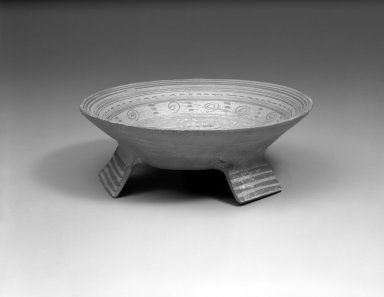 Aztec. <em>Food Bowl</em>. Ceramic, pigment, 2 15/16 x 8 3/16 in. (7.5 x 20.8 cm). Brooklyn Museum, 37.241. Creative Commons-BY (Photo: Brooklyn Museum, 37.241_bw.jpg)