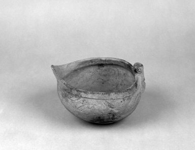 Mound Builder. <em>Bowl with Long-Beaked Bird Relief</em>, 500-1500 C.E. Ceramic, pigment, 4 1/8 x 6 5/8 in.  (10.5 x 16.8 cm). Brooklyn Museum, Frank Sherman Benson Fund and the Henry L. Batterman Fund, 37.2797PA. Creative Commons-BY (Photo: Brooklyn Museum, 37.2797PA_bw.jpg)