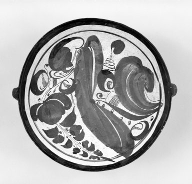 Tonala. <em>Dish</em>, 19th century. Ceramic, pigment, 2 1/2 x 7 13/16 x 7 3/8 in. (6.4 x 19.8 x 18.7 cm). Brooklyn Museum, Frank Sherman Benson Fund and the Henry L. Batterman Fund, 37.2940PA. Creative Commons-BY (Photo: Brooklyn Museum, 37.2940PA_bw.jpg)