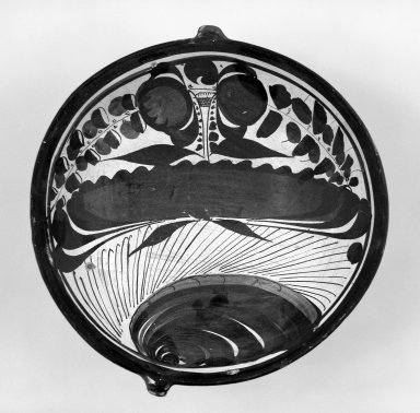 Tonala. <em>Dish</em>, 19th century. Ceramic, pigment, 2 1/4 x 7 7/8 x 7 1/2 in. (5.7 x 20 x 19.1 cm). Brooklyn Museum, Frank Sherman Benson Fund and the Henry L. Batterman Fund, 37.2941PA. Creative Commons-BY (Photo: Brooklyn Museum, 37.2941PA_bw.jpg)