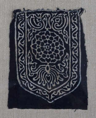 <em>Egypto-Arabic Textile, Fostate Print found in Egypt</em>, 12th-15th century. Printed cotton, 6 5/16 x 5 1/8 in. (16 x 13 cm). Brooklyn Museum, Charles Edwin Wilbour Fund, 38.831. Creative Commons-BY (Photo: Brooklyn Museum, 38.831_PS11.jpg)