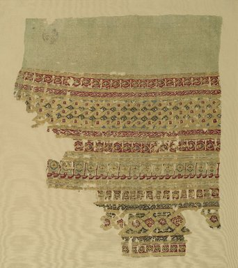 <em>Textile Fragment</em>, 12th century. Silk and linen, tapestry-woven, 18 1/2 x 15 1/2 in. (47 x 39.4 cm). Brooklyn Museum, Charles Edwin Wilbour Fund, 39.90. Creative Commons-BY (Photo: Brooklyn Museum, 39.90_PS1.jpg)