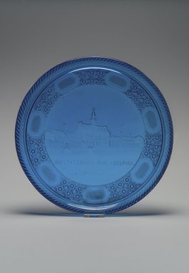American. <em>Platter (Old State House / Independence Hall)</em>, 1876. Glass, 1 x 12 3/8 x 12 3/8 in. (2.5 x 31.4 x 31.4 cm). Brooklyn Museum, Gift of Mrs. William Greig Walker by subscription, 40.217. Creative Commons-BY (Photo: Brooklyn Museum, 40.217.jpg)