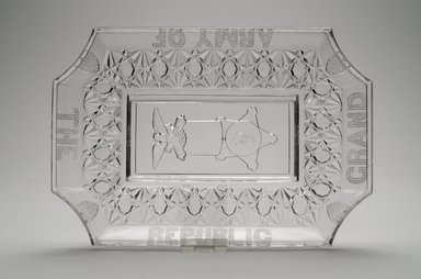 American. <em>Platter (Grand Army of the Republic)</em>, late 19th century. Glass, 1 1/2 x 7 5/8 x 11 1/4 in. (3.8 x 19.4 x 28.6 cm). Brooklyn Museum, Gift of Mrs. William Greig Walker by subscription, 40.222. Creative Commons-BY (Photo: Brooklyn Museum, 40.222.jpg)
