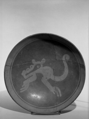 Totonac. <em>Plate</em>. Ceramic, pigment Brooklyn Museum, Museum Expedition 1939, Museum Purchase, 40.29. Creative Commons-BY (Photo: Brooklyn Museum, 40.29_acetate_bw.jpg)