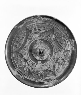 <em>Mirror</em>, 481-221 B.C. Bronze, Diam.: 4 13/16 in. (12.2 cm). Brooklyn Museum, 40.510. Creative Commons-BY (Photo: Brooklyn Museum, 40.510_bw.jpg)