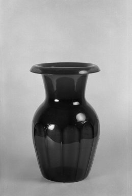 American. <em>Panelled Vase</em>. Glass Brooklyn Museum, Dick S. Ramsay Fund, 40.94. Creative Commons-BY (Photo: Brooklyn Museum, 40.94_acetate_bw.jpg)