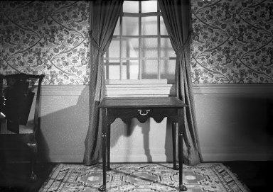 American. <em>Tea Table</em>, ca. 1765. Mahogany, brass, 27 1/4 x 29 1/2 x 21 3/4 in. (69.2 x 74.9 x 55.2 cm). Brooklyn Museum, Gift of Mrs. Francis P. Garvan in memory of Francis P. Garvan, 41.1194. Creative Commons-BY (Photo: Brooklyn Museum, 41.1194A_acetate_bw.jpg)