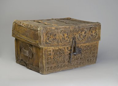 Unknown. <em>Trunk (Petaca)</em>, 18th century. Cowhide, leather, and wood, 16 3/4 x 29 3/4 x 21 1/4 in. (42.5 x 75.6 x 54 cm). Brooklyn Museum, Museum Expedition 1941, Frank L. Babbott Fund, 41.1275.171. Creative Commons-BY (Photo: Brooklyn Museum, 41.1275.171_PS4.jpg)