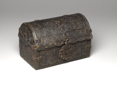 <em>Casket</em>, 18th century. Leather-covered wood, iron, and cloth, closed: 7 3/4 x 11 1/2 x 7 3/4 in. (19.7 x 29.2 x 19.7 cm). Brooklyn Museum, Museum Expedition 1941, Frank L. Babbott Fund, 41.1275.175. Creative Commons-BY (Photo: Brooklyn Museum, 41.1275.175_PS6.jpg)