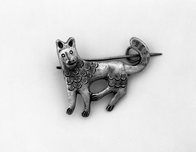 <em>Brooch</em>. Silver, 1 3/8 x 1 5/8 in. Brooklyn Museum, Museum Expedition 1941, Frank L. Babbott Fund, 41.1275.271. Creative Commons-BY (Photo: Brooklyn Museum, 41.1275.271_bw.jpg)