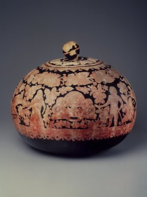 <em>Covered Container</em>, early 20th century. Gourd, lacquer, 14 1/2 x 17 in.  (36.8 x 43.2 cm). Brooklyn Museum, Henry L. Batterman Fund, 41.516a-b. Creative Commons-BY (Photo: Brooklyn Museum, 41.516.jpg)