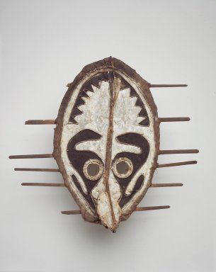 Namau. <em>Mask (Kanipu)</em>, late 19th or early 20th century. Cane, bark cloth, wood, leaves, cordage, feathers, pigment, 17 1/2 x 18 3/4 x 4 1/2 in. (44.5 x 47.6 x 11.4 cm). Brooklyn Museum, By exchange, 42.114.16. Creative Commons-BY (Photo: Brooklyn Museum, 42.114.16.jpg)