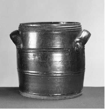American. <em>Water Cooler</em>. Earthenware Brooklyn Museum, Gift of Arthur W. Clement, 43.128.108. Creative Commons-BY (Photo: Brooklyn Museum, 43.128.108_acetate_bw.jpg)