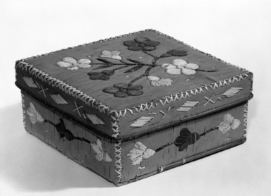 Micmac (Mi'Kmaq). <em>Square Box and Cover</em>, early 20th century. Birchbark, porcupine quill, 7 x 7 x 3 1/8 in. (17.8 x 17.8 x 7.9 cm). Brooklyn Museum, Anonymous gift in memory of Dr. Harlow Brooks, 43.201.160a-b. Creative Commons-BY (Photo: Brooklyn Museum, 43.201.160a-b_bw.jpg)