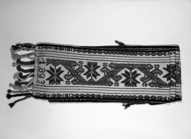 <em>Wide Belt</em>. Cotton, wool Brooklyn Museum, Anonymous gift in memory of Dr. Harlow Brooks, 43.201.279. Creative Commons-BY (Photo: Brooklyn Museum, 43.201.279_view1_bw.jpg)