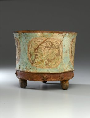 Teotihuacan. <em>Tripod Jar</em>, ca. 800 C.E. Clay, pigment, 7 1/2 x 9 x 9 in. (19.1 x 22.9 x 22.9 cm). Brooklyn Museum, Charles Stewart Smith Memorial Fund, 44.189. Creative Commons-BY (Photo: Brooklyn Museum, 44.189_side1_PS1.jpg)