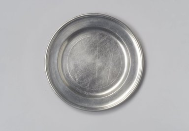 Thomas Danforth II. <em>Plate</em>, ca. 1770-1780. Pewter, 5/8 x 7 15/16 x 7 15/16 in. (1.6 x 20.2 x 20.2 cm). Brooklyn Museum, Designated Purchase Fund, 45.10.120. Creative Commons-BY (Photo: Brooklyn Museum, 45.10.120.jpg)