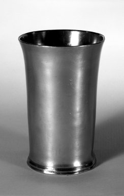 John Will. <em>Beaker</em>, 1752-1774. Pewter, 5 3/16 in. (13.2 cm). Brooklyn Museum, Designated Purchase Fund, 45.10.128. Creative Commons-BY (Photo: Brooklyn Museum, 45.10.128_bw.jpg)