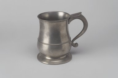 Robert Bonynge. <em>Pint Mug</em>, 1760-1782. Pewter, 5 1/8 x 5 3/4 x 3 7/8 in. (13 x 14.6 x 9.8 cm). Brooklyn Museum, Designated Purchase Fund, 45.10.141. Creative Commons-BY (Photo: Brooklyn Museum, 45.10.141.jpg)