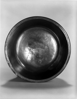 Samuel Green. <em>Basin</em>, 1779-1828. Pewter, 1 7/8 x 5 7/8 x 5 7/8 in. (4.8 x 14.9 x 14.9 cm). Brooklyn Museum, Designated Purchase Fund, 45.10.14. Creative Commons-BY (Photo: Brooklyn Museum, 45.10.14_bw.jpg)
