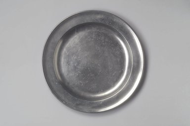 Henry Will. <em>Dish</em>, 1761-1793. Pewter, 7/8 x 13 1/8 x 13 1/8 in. (2.2 x 33.3 x 33.3 cm). Brooklyn Museum, Designated Purchase Fund, 45.10.165. Creative Commons-BY (Photo: Brooklyn Museum, 45.10.165.jpg)