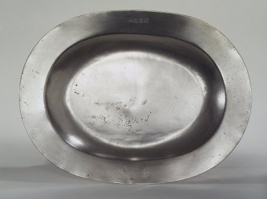 Henry Will. <em>Oval Platter</em>, 1761-1793. Pewter, 15 1/4 x 11 5/8 in. (38.7 x 29.5 cm). Brooklyn Museum, Designated Purchase Fund, 45.10.172. Creative Commons-BY (Photo: Brooklyn Museum, 45.10.172.jpg)