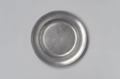 Benjamin Harbeson Jr.. <em>Plate</em>, ca. 1800. Pewter, 3/4 x 7 7/8 x 7 7/8 in. (1.9 x 20 x 20 cm). Brooklyn Museum, Designated Purchase Fund, 45.10.177. Creative Commons-BY (Photo: Brooklyn Museum, 45.10.177.jpg)