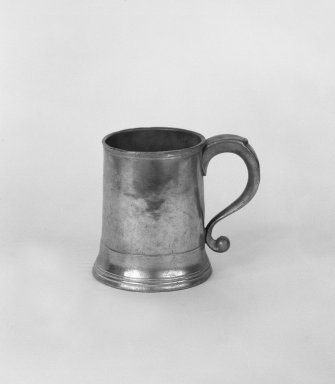 Unknown. <em>Print Mug</em>. Brooklyn Museum, Designated Purchase Fund, 45.10.202. Creative Commons-BY (Photo: Brooklyn Museum, 45.10.202_bw.jpg)