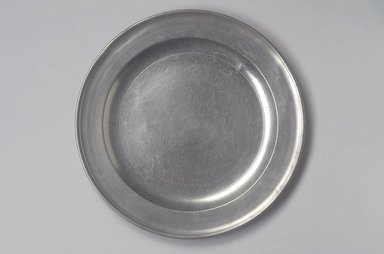 Richard Austin. <em>Dish</em>, 1793-1817. Pewter, 1 1/8 x 14 7/8 x 14 7/8 in. (2.9 x 37.8 x 37.8 cm). Brooklyn Museum, Designated Purchase Fund, 45.10.21. Creative Commons-BY (Photo: Brooklyn Museum, 45.10.21.jpg)