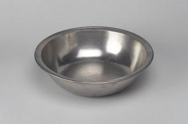Samuel Kilbourn. <em>Basin</em>, 1814-1839. Pewter, 2 5/8 x 10 x 10 in. (6.7 x 25.4 x 25.4 cm). Brooklyn Museum, Designated Purchase Fund, 45.10.238. Creative Commons-BY (Photo: Brooklyn Museum, 45.10.238.jpg)