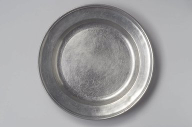Samuel Hamlin. <em>Dish</em>, 1771-1801. Pewter, 1 5/8 x 14 7/8 x 14 7/8 in. (4.1 x 37.8 x 37.8 cm). Brooklyn Museum, Designated Purchase Fund, 45.10.240. Creative Commons-BY (Photo: , 45.10.240.jpg)