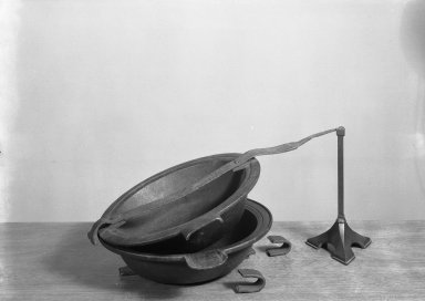 <em>Pewterers Mold For Casting Large Pewter Basins</em>. Copper Brooklyn Museum, Designated Purchase Fund, 45.10.242. Creative Commons-BY (Photo: Brooklyn Museum, 45.10.242_acetate_bw.jpg)