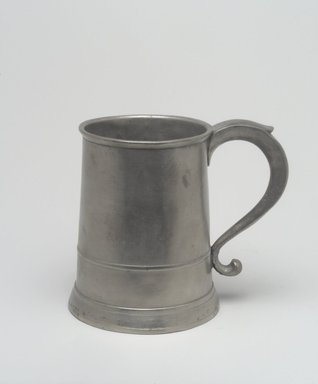 Samuel Hamlin. <em>Quart Mug</em>, 1771-1801. Pewter, 5 7/8 x 6 7/8 x 4 3/4 in. (14.9 x 17.5 x 12.1 cm). Brooklyn Museum, Designated Purchase Fund, 45.10.42. Creative Commons-BY (Photo: Brooklyn Museum, 45.10.42.jpg)