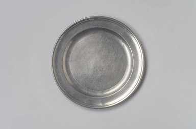 Gershom Jones. <em>Plate</em>, 1774-1809. Pewter, 1/2 x 8 x 8 in. (1.3 x 20.3 x 20.3 cm). Brooklyn Museum, Designated Purchase Fund, 45.10.48. Creative Commons-BY (Photo: Brooklyn Museum, 45.10.48.jpg)