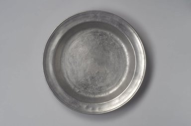 James Porter. <em>Dish</em>, 1795-1803. Pewter, 1 1/2 x 13 1/8 x 13 1/8 in. (3.8 x 33.3 x 33.3 cm). Brooklyn Museum, Designated Purchase Fund, 45.10.50. Creative Commons-BY (Photo: Brooklyn Museum, 45.10.50.jpg)