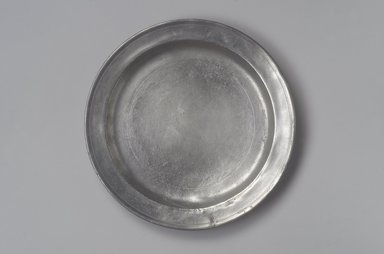 Amos Treadway. <em>Dish</em>, 1760-1793. Pewter, 1 1/8 x 11 1/4 x 11 1/4 in. (2.9 x 28.6 x 28.6 cm). Brooklyn Museum, Designated Purchase Fund, 45.10.63. Creative Commons-BY (Photo: Brooklyn Museum, 45.10.63.jpg)