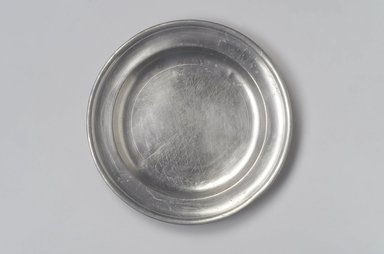 Thomas Danforth II. <em>Plate</em>, 1755-1782. Pewter, 7/8 x 9 x 9 in. (2.2 x 22.9 x 22.9 cm). Brooklyn Museum, Designated Purchase Fund, 45.10.67. Creative Commons-BY (Photo: Brooklyn Museum, 45.10.67.jpg)