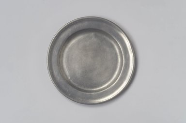 Thomas Danforth II. <em>Plate</em>, 1755-1782. Pewter, 5/8 x 7 15/16 x 7 15/16 in. (1.6 x 20.2 x 20.2 cm). Brooklyn Museum, Designated Purchase Fund, 45.10.70. Creative Commons-BY (Photo: Brooklyn Museum, 45.10.70.jpg)