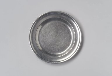 John Danforth. <em>Plate</em>, 1773-1793. Pewter, 5/8 x 7 3/4 x 7 3/4 in. (1.6 x 19.7 x 19.7 cm). Brooklyn Museum, Designated Purchase Fund, 45.10.73. Creative Commons-BY (Photo: Brooklyn Museum, 45.10.73.jpg)