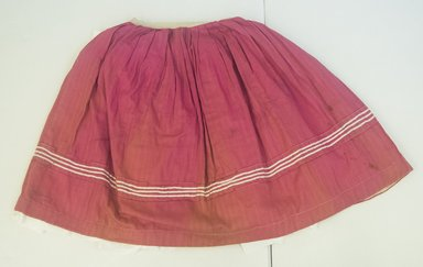 <em>Skirt</em>, ca. 1945. Cotton, 18 5/16 (at waist) x 29 3/4 in. (46.5 x 75.5 cm). Brooklyn Museum, Gift of Carolyn Schnurer, 45.108.18. Creative Commons-BY (Photo: Brooklyn Museum, 45.108.18_front_PS5.jpg)