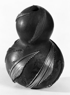 Zulu. <em>Snuff Container</em>, late 19th century. Gourd, metal, 4 x 2 8/16 in. (10.2 x 7.0 cm). Brooklyn Museum, Gift of Mrs. Herman Eggers, 45.125.5. Creative Commons-BY (Photo: Brooklyn Museum, 45.125.5_bw.jpg)