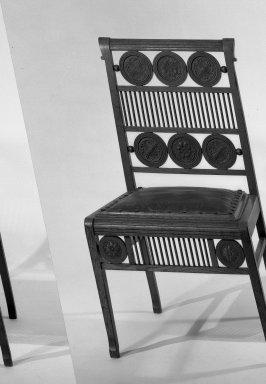 American. <em>Side Chair</em>, late 19th-early 20th century. Oak and leather, 32 x 18 x 18 in. (81.3 x 45.7 x 45.7 cm). Brooklyn Museum, Gift of Otto Goetze, 45.161. Creative Commons-BY (Photo: Brooklyn Museum, 45.161_acetate_bw.jpg)