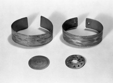 Hochunk. <em>Incised Bracelet</em>. German silver?, 6.2 x 4.7 x 2 cm / 2 1/2 x 1 7/8 x 3/4 in. Brooklyn Museum, By exchange, 46.100.16. Creative Commons-BY (Photo: , 46.100.15_46.100.16_46.100.13c_46.100.11a_group_bw.jpg)