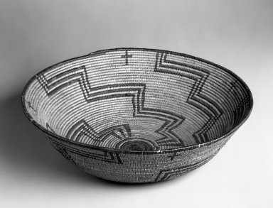 Pima. <em>Basketry Bowl</em>, first quarter 20th century. Plant fiber, 4 1/8 x 14 3/4 x 14 3/4 in. (10.5 x 37.5 x 37.5 cm). Brooklyn Museum, Gift of Pratt Institute, 46.136.5. Creative Commons-BY (Photo: Brooklyn Museum, 46.136.5_bw.jpg)